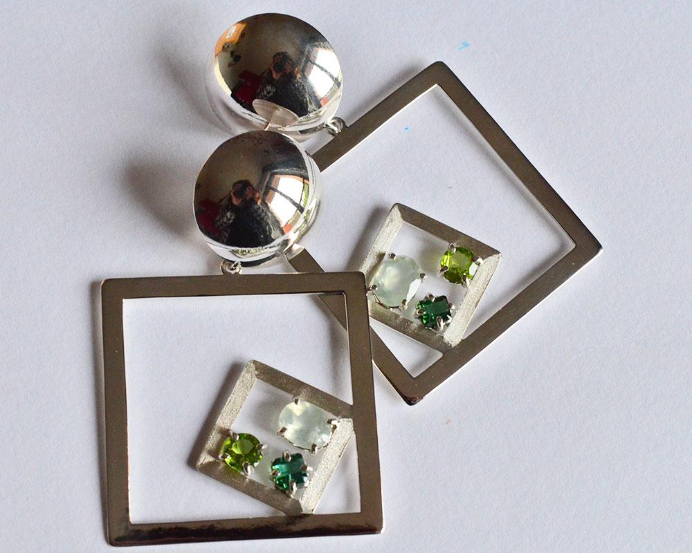 Orecchini in argento 925 con tormalina peridot e prenite