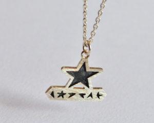 Blackstar ciondolo irregolare in argento 925