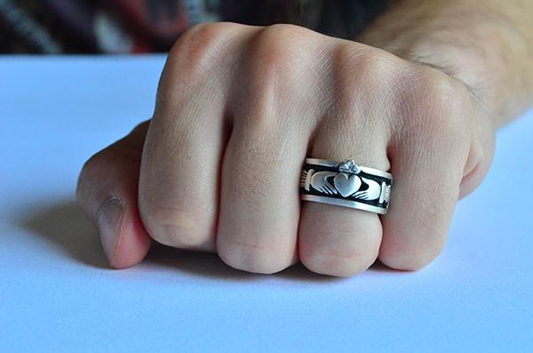 Claddagh  : anello da uomo in argento 925