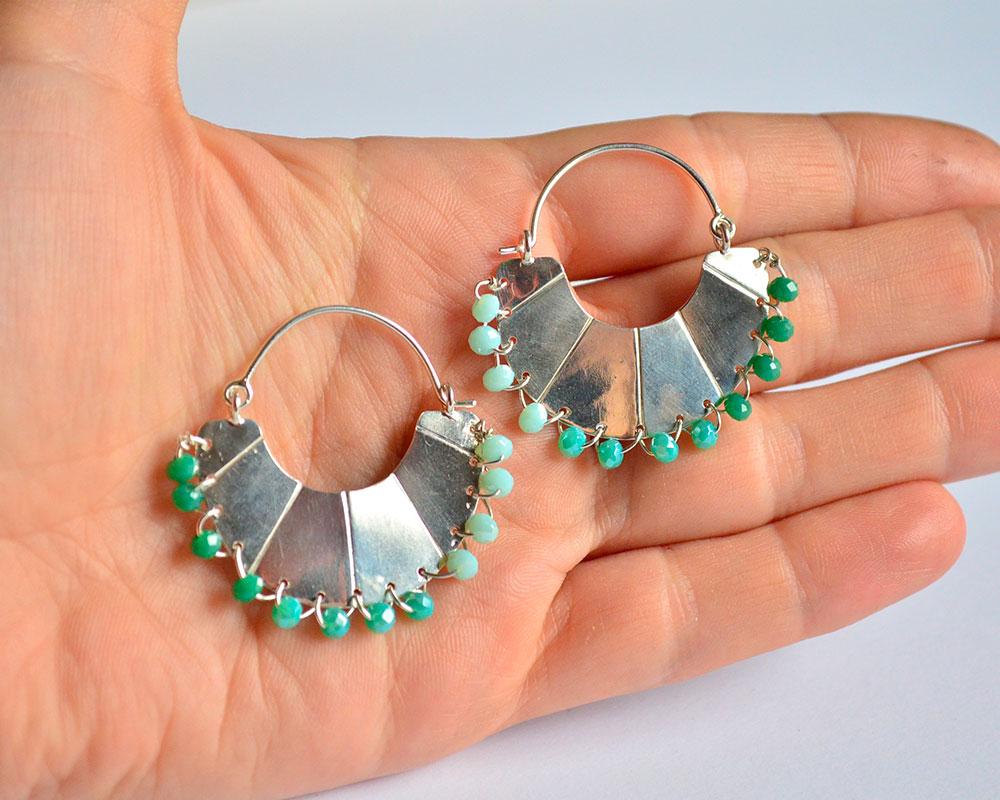 Orecchino a ventaglio in argento 925 e perline in vetro